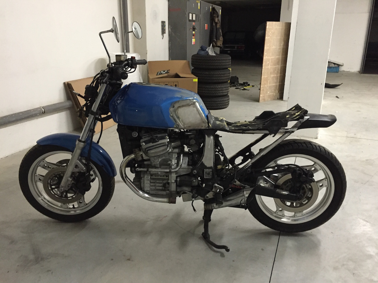 Honda CX500 Parallel Garage
